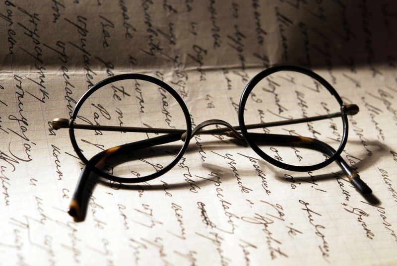 Old glasses on a letter–© vladem